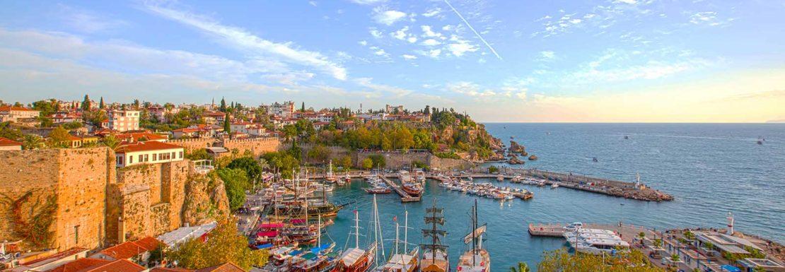 الاستثمار العقاري في انطاليا: لماذا يجذب السوق المشترين الاجانب؟