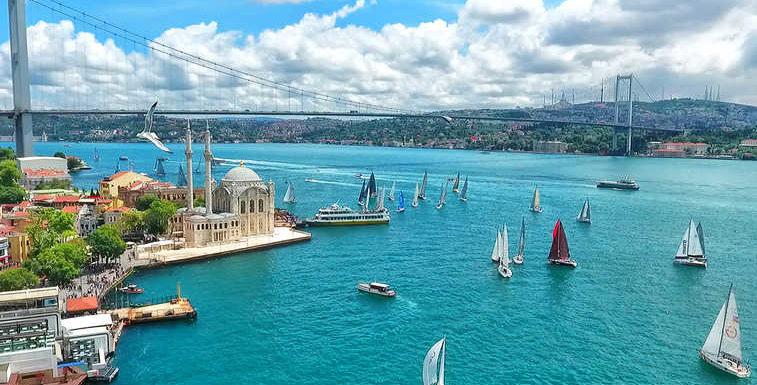 اكتشف اسطنبول في 7 إطلالات من مضيق البوسفور
