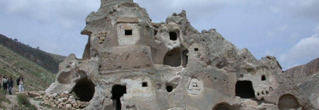 """""""قيصري"""" مدينة التاريخ والطبيعة والاقتصاد"""