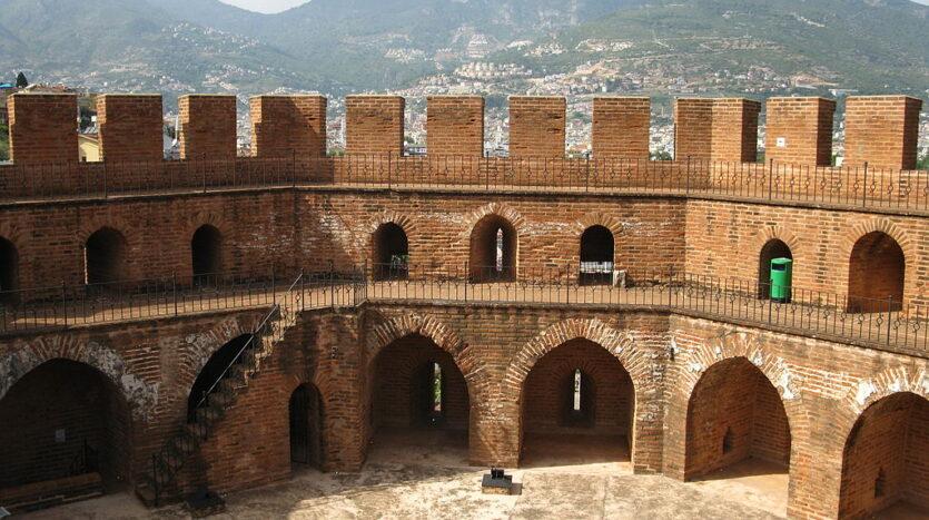 ألانيا مدينة الأحلام جنوب تركيا